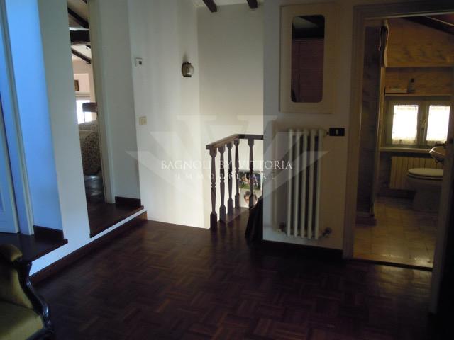 Appartamento in affitto a Pietrasanta, 4 locali, zona Località: MARINA DI PIETRASANTA, prezzo € 2.800 | Cambio Casa.it