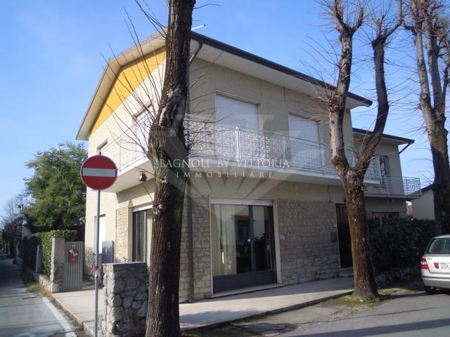 Appartamento in affitto a Forte dei Marmi, 4 locali, Trattative riservate | Cambio Casa.it