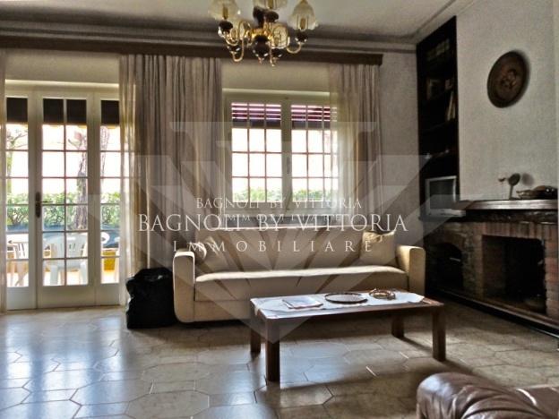 Appartamento da ristrutturare arredato in vendita Rif. 9603229