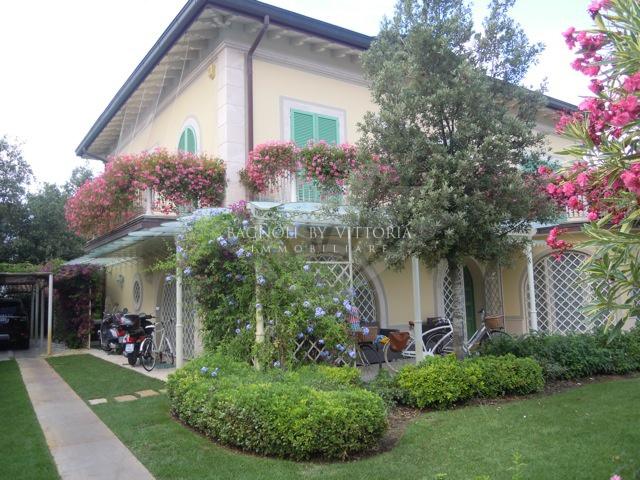 Villa singola PIETRASANTA 592