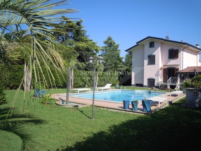 Villa in vendita a Montignoso (MS)