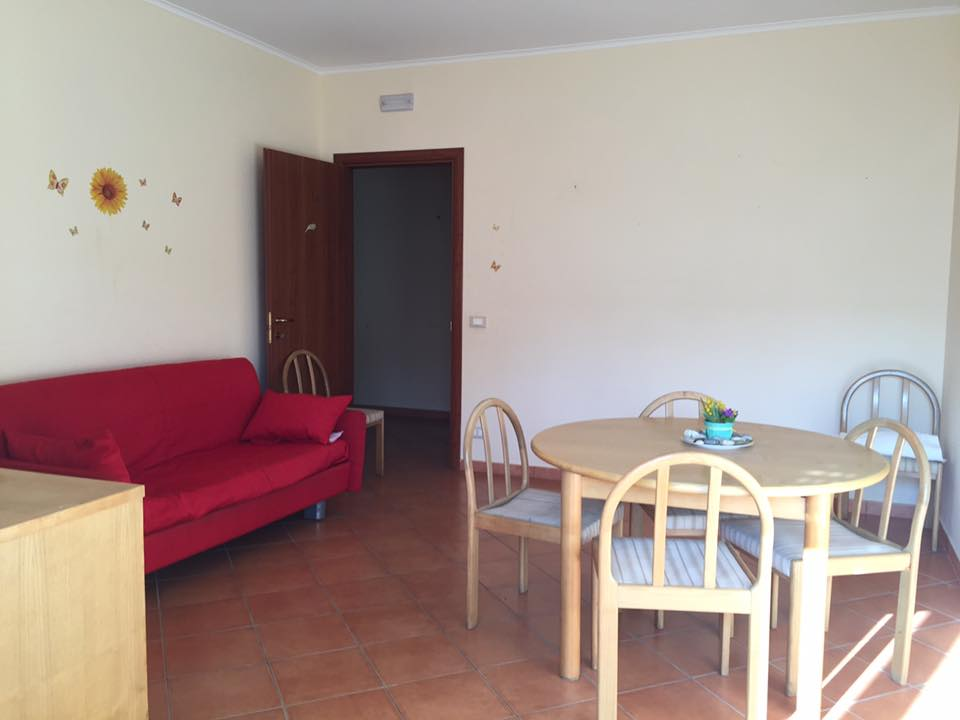 Bilocale Terracina Via Pontina 04019 4
