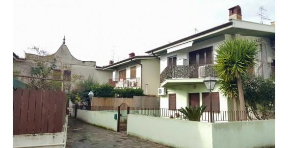 Bilocale Terracina Via Astolfi 4