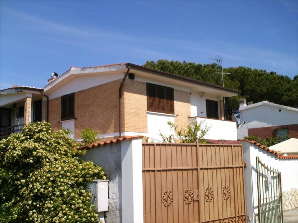 Villa in vendita a San Felice Circeo, 5 locali, zona Località: San Felice Circeo, prezzo € 260.000 | Cambio Casa.it
