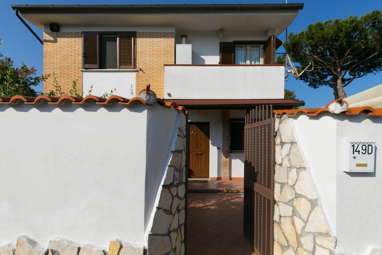 Villa in vendita a San Felice Circeo, 5 locali, Trattative riservate | CambioCasa.it