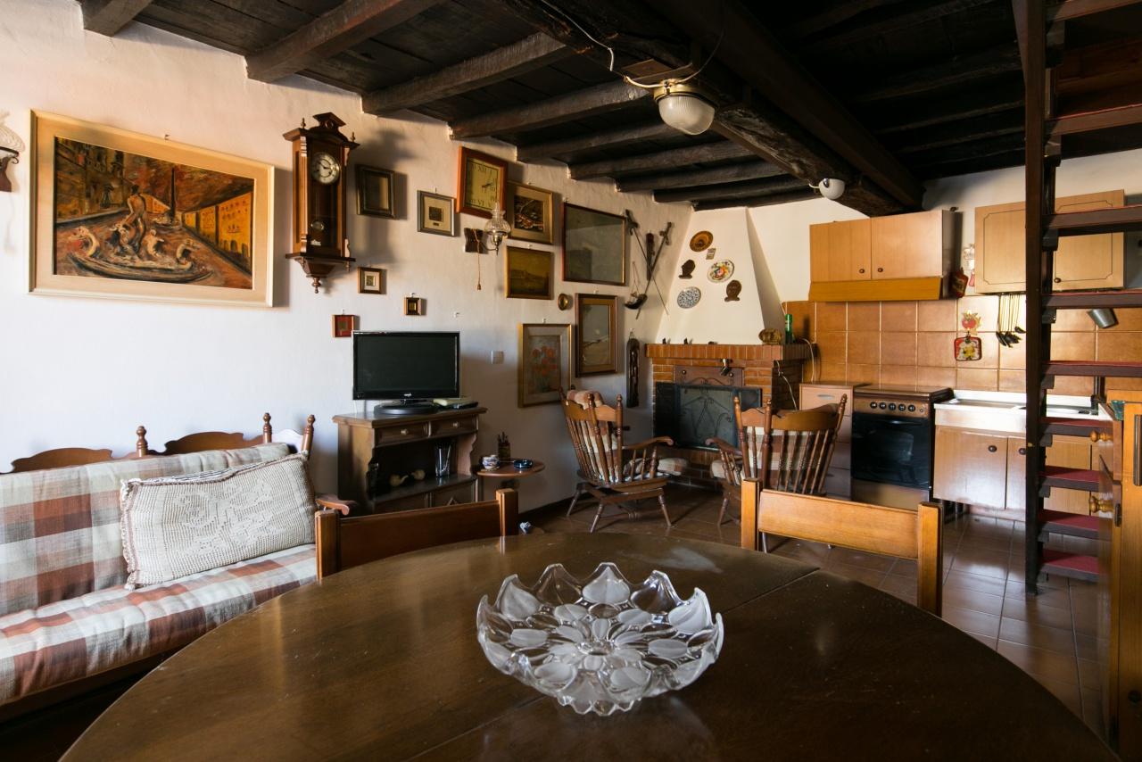 Soluzione Indipendente in vendita a Terracina, 2 locali, Trattative riservate | CambioCasa.it