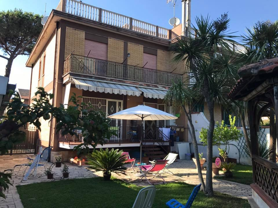 Soluzione Indipendente in vendita a Terracina, 3 locali, Trattative riservate | CambioCasa.it