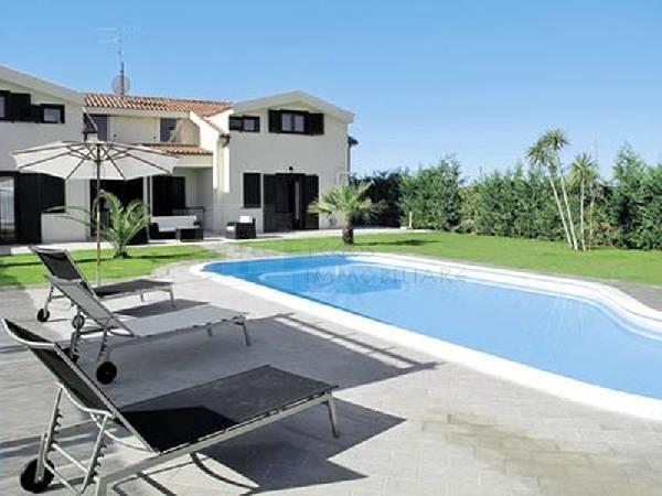 Villa ristrutturato in vendita