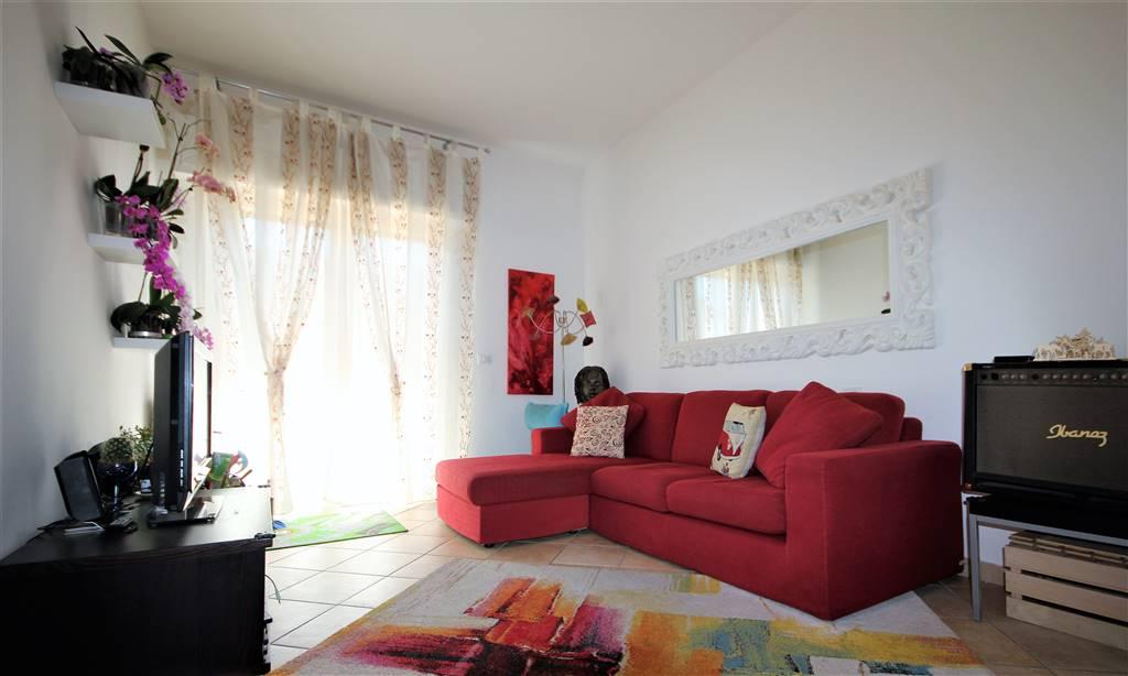 Appartamento in ottime condizioni in vendita Rif. 10465456