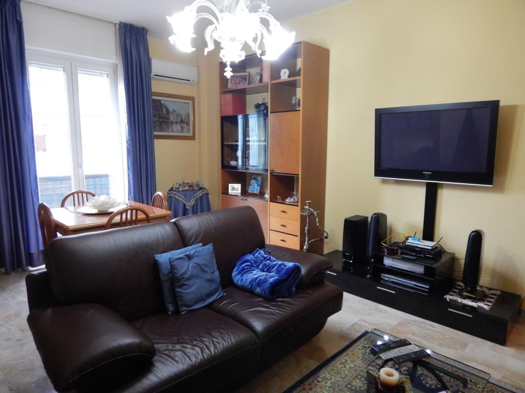 Appartamento in vendita a Pesaro, 4 locali, prezzo € 280.000 | CambioCasa.it