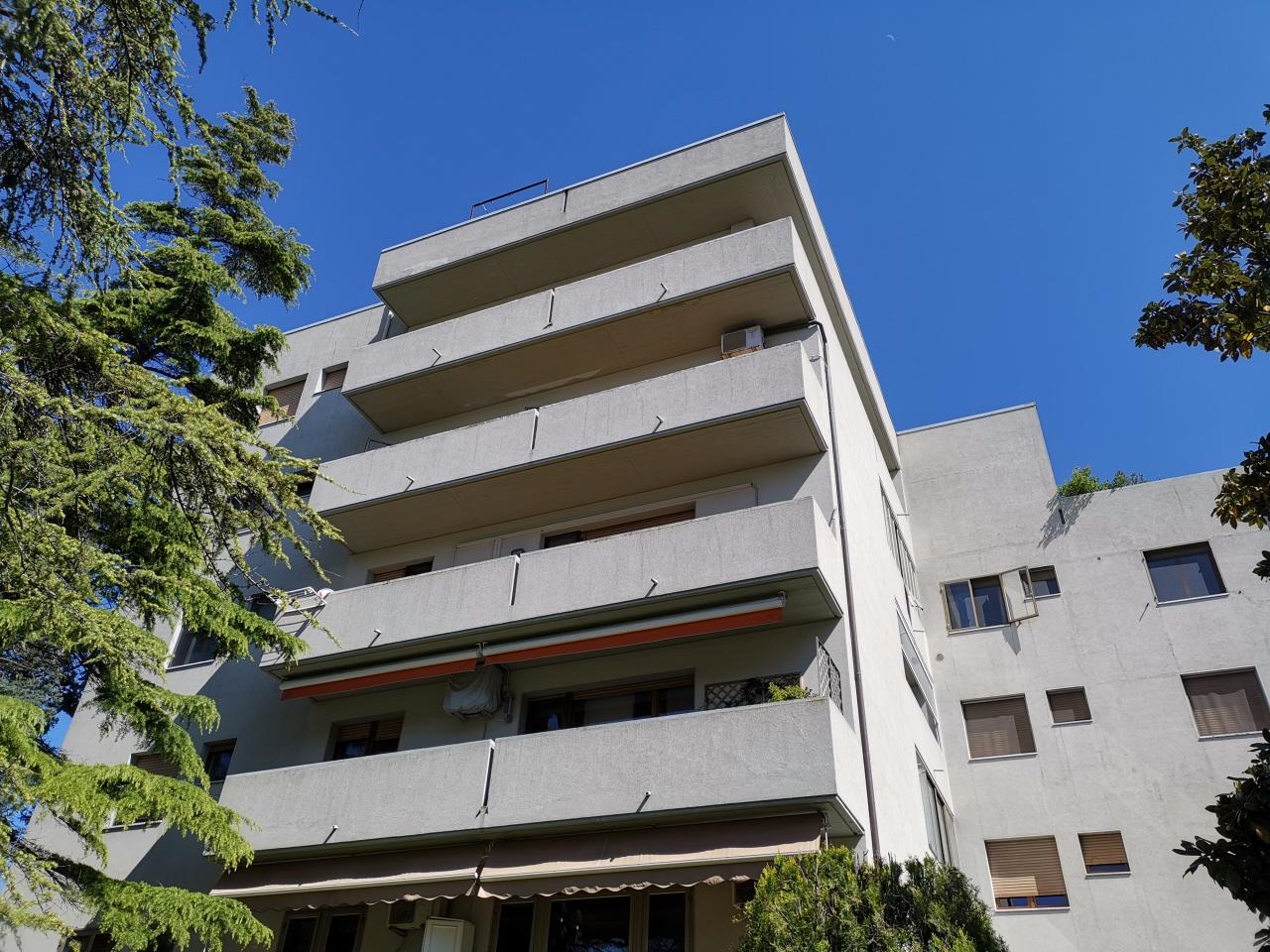 Appartamento in vendita a Pesaro, 3 locali, prezzo € 185.000 | CambioCasa.it