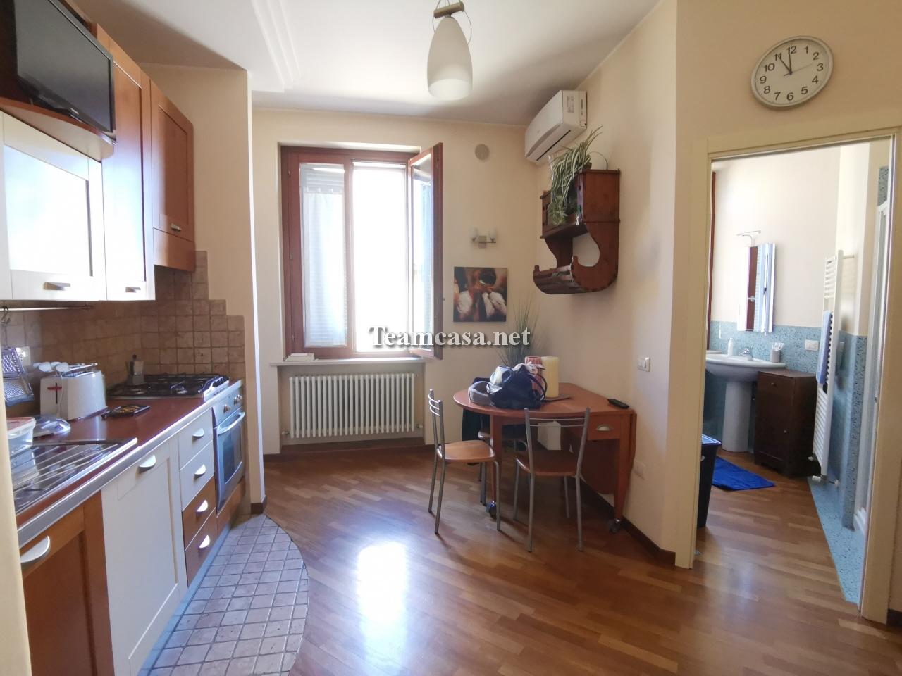 Appartamento ristrutturato arredato in vendita Rif. 11020499