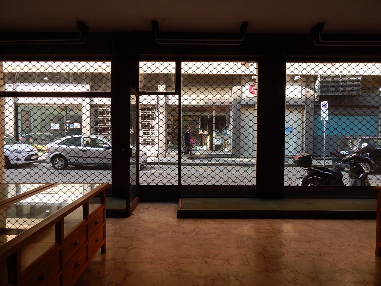 Attività commerciale ristrutturato in affitto Rif. 11287595