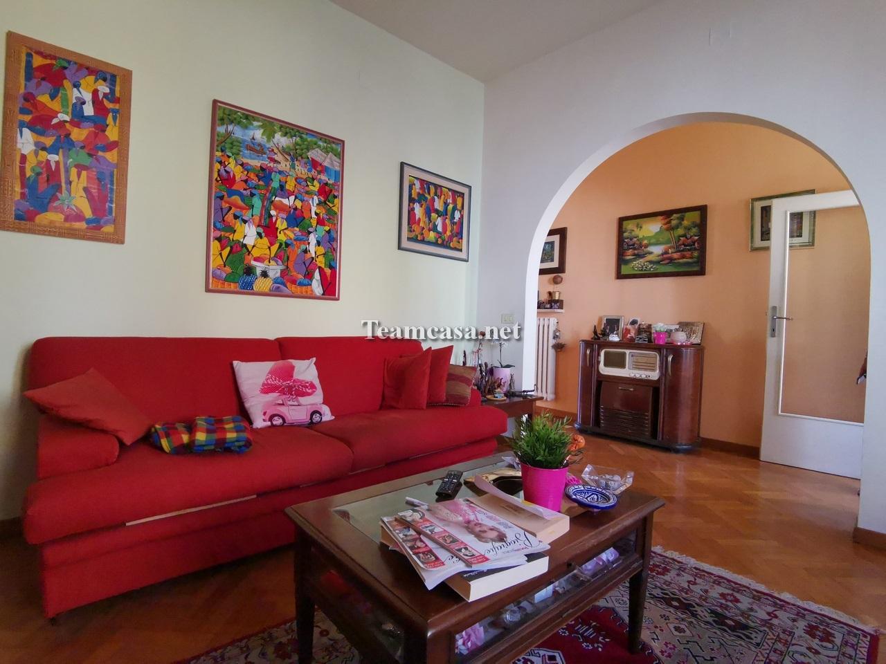 Appartamento in vendita a Pesaro, 4 locali, prezzo € 158.000 | CambioCasa.it