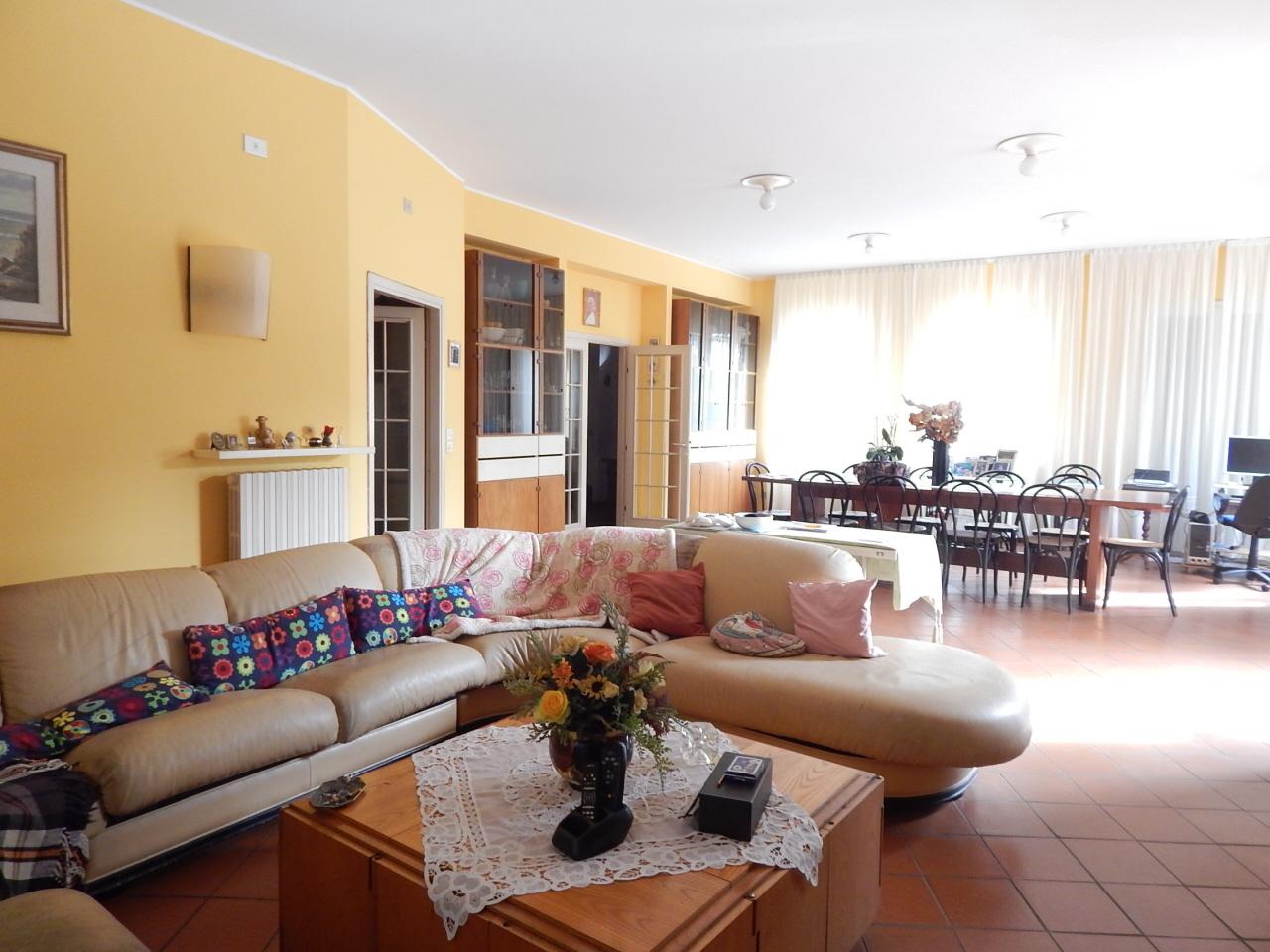Villa a schiera 5 locali in vendita a Pesaro (PU)