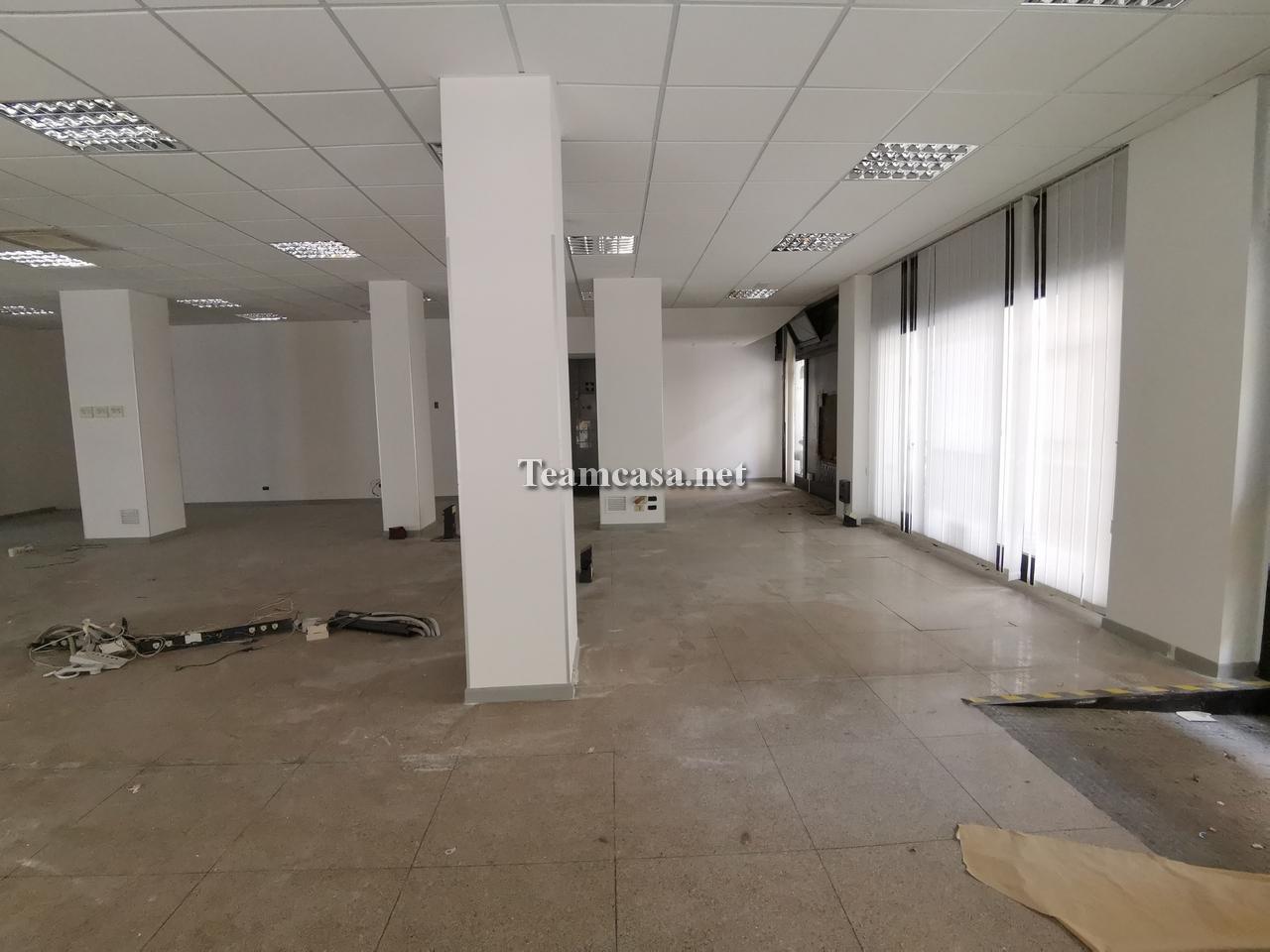 Negozio 6 locali in affitto a Pesaro (PU)