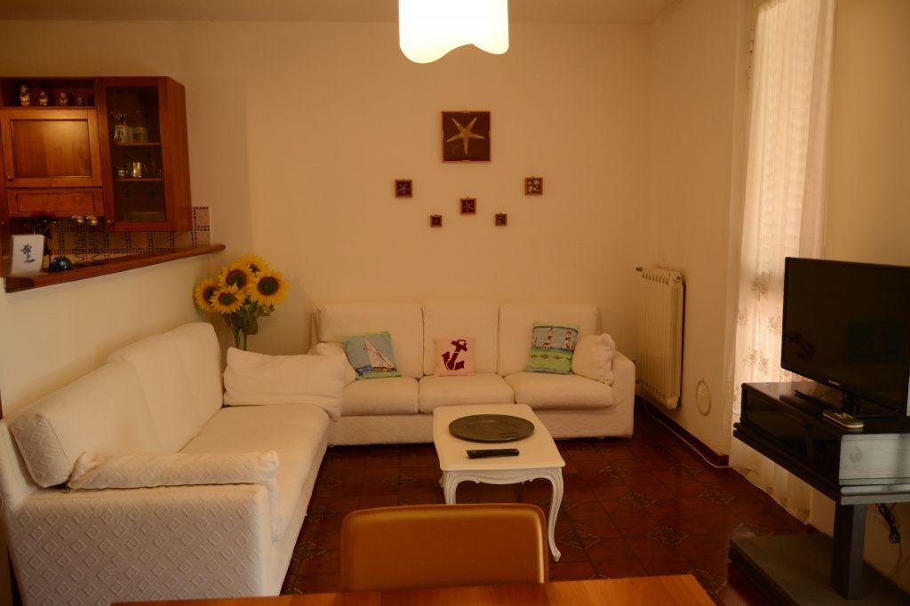 Soluzione Indipendente in vendita a Piombino, 4 locali, Trattative riservate | CambioCasa.it