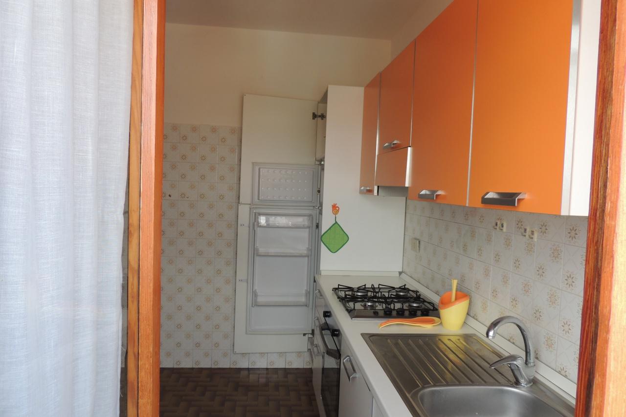 Appartamento in buone condizioni arredato in vendita Rif. 10021362