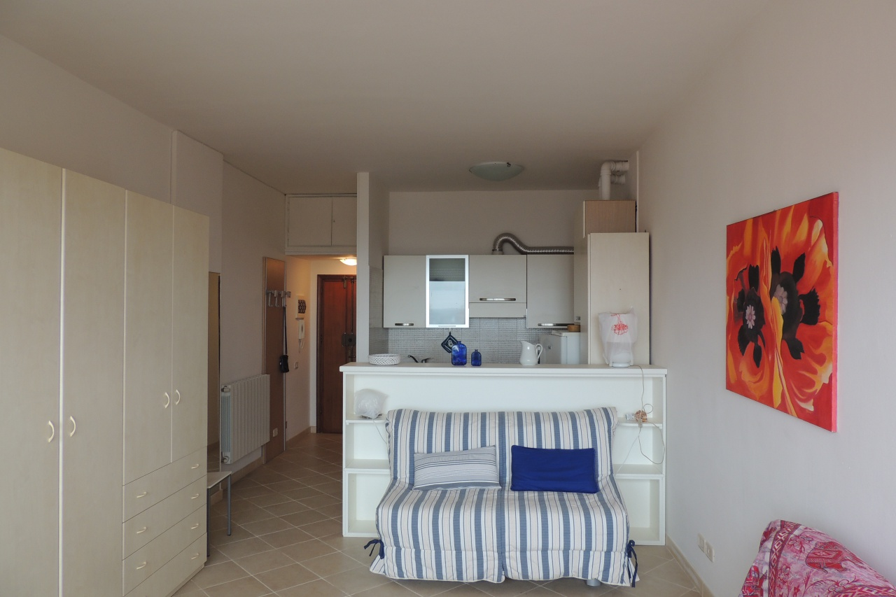 Appartamento in affitto a Follonica, 1 locali, prezzo € 500   CambioCasa.it