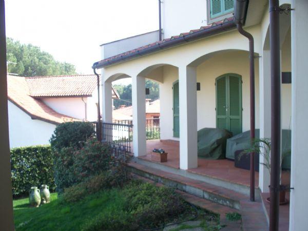 Villa in vendita a Quarrata, 10 locali, zona Località: QUARRATA, Trattative riservate | Cambio Casa.it