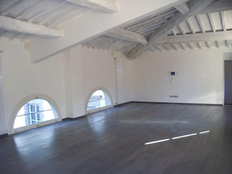 Palazzo / Stabile in vendita a Quarrata, 5 locali, prezzo € 550.000 | CambioCasa.it