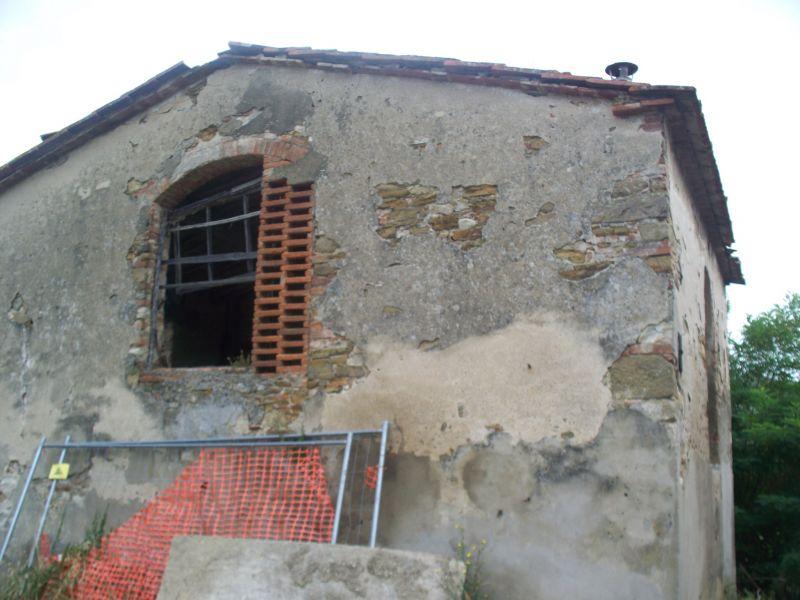 vendita casa colonica carmignano   250000 euro  2 locali  100 mq