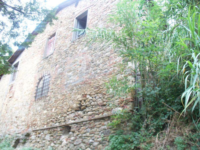 Rustico / Casale in vendita a Carmignano, 12 locali, zona Località: carmignano, prezzo € 450.000 | Cambio Casa.it