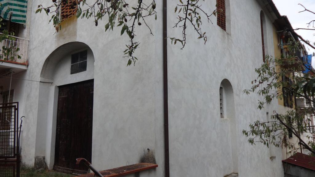 Rustico / Casale in vendita a Carmignano, 9 locali, zona Zona: La Serra, prezzo € 250.000 | Cambio Casa.it