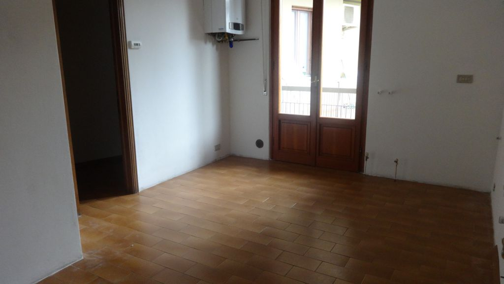 Appartamento in affitto a Calenzano, 5 locali, zona Località: CENTRO, prezzo € 940 | Cambio Casa.it