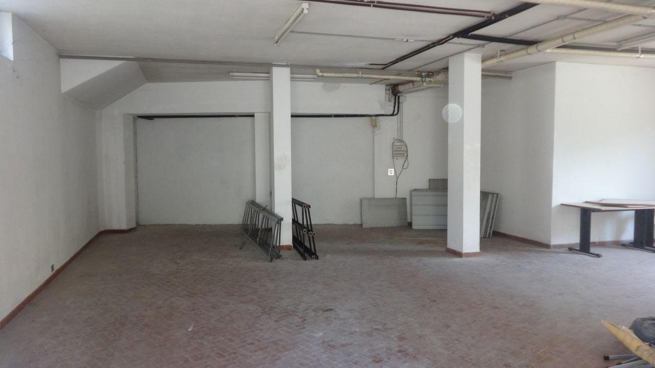 Box / Garage in affitto a Calenzano, 1 locali, Trattative riservate | Cambio Casa.it