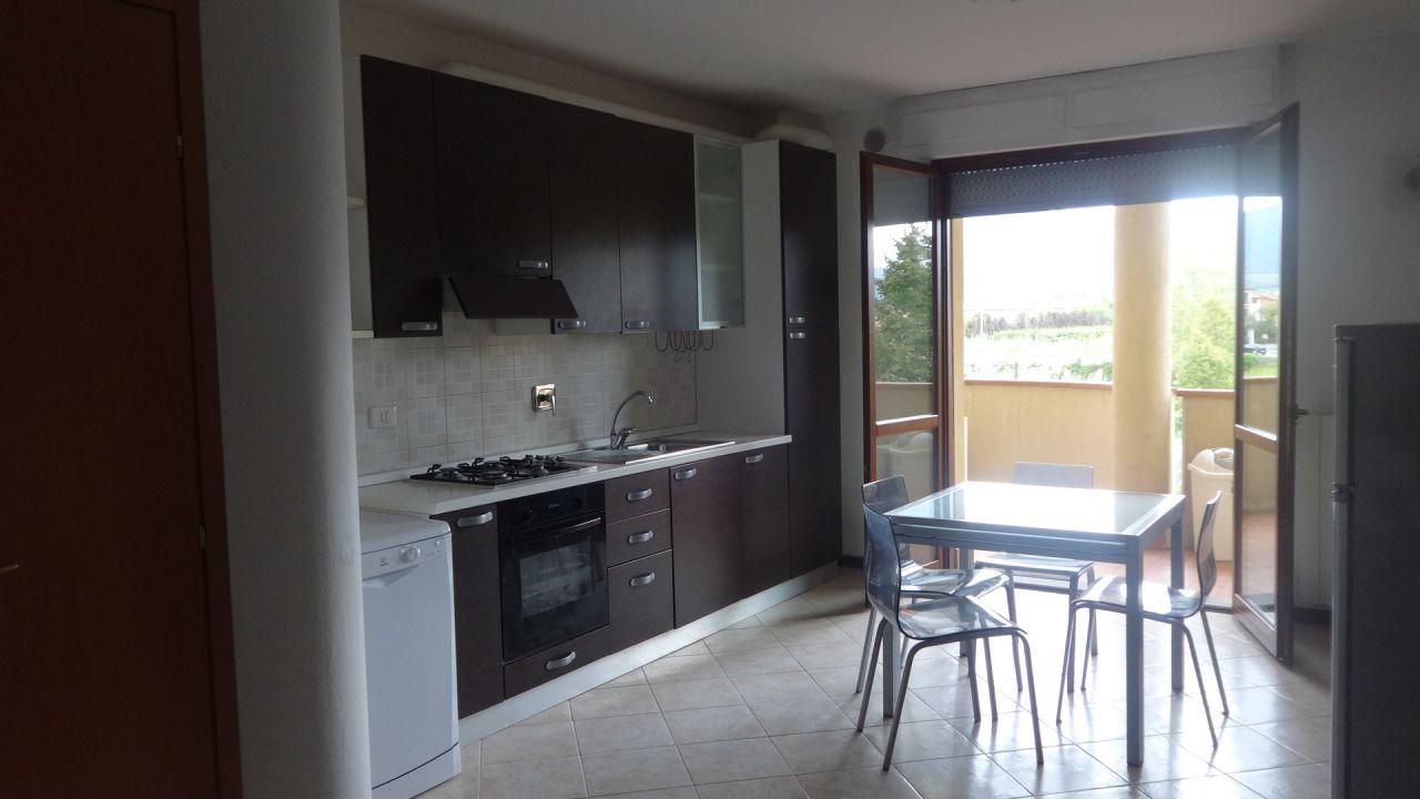 Appartamento in affitto a Agliana, 3 locali, prezzo € 550 | CambioCasa.it