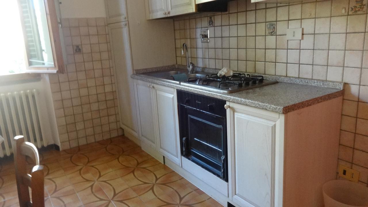 Soluzione Indipendente in affitto a Carmignano, 3 locali, prezzo € 700 | CambioCasa.it