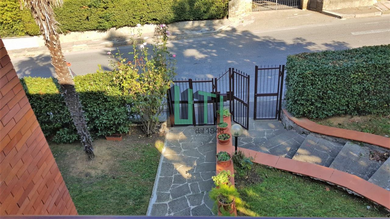 Appartamento in ottime condizioni in vendita Rif. 8293825