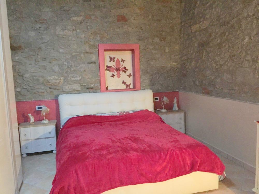 Appartamento in vendita a Massarosa, 4 locali, zona Località: GENERICA, prezzo € 130.000 | Cambio Casa.it
