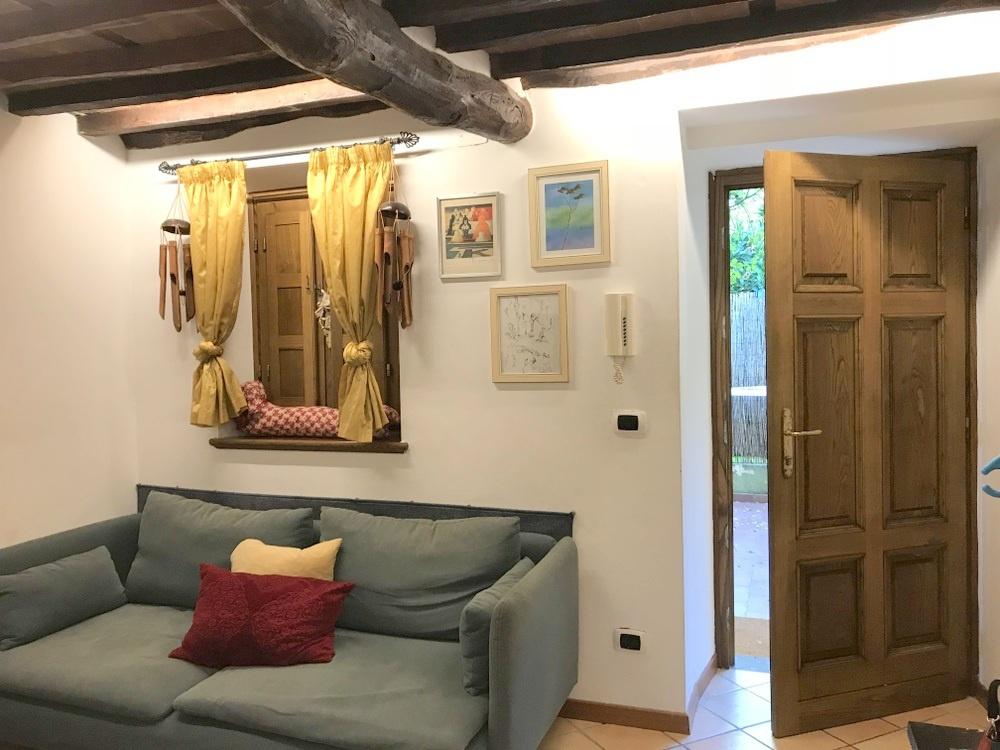 Appartamento in ottime condizioni arredato in vendita Rif. 8167752