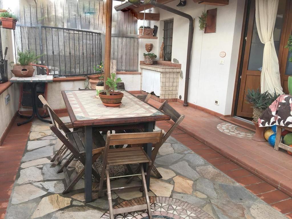 Appartamento in ottime condizioni arredato in vendita Rif. 9298702