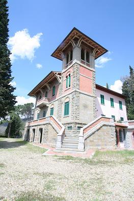 Palazzo / Stabile in vendita a Loro Ciuffenna, 9999 locali, zona Località: GENERICA, Trattative riservate | Cambio Casa.it