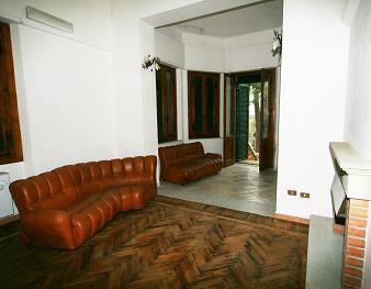 Palazzo / Stabile in vendita a Loro Ciuffenna, 9999 locali, Trattative riservate | CambioCasa.it