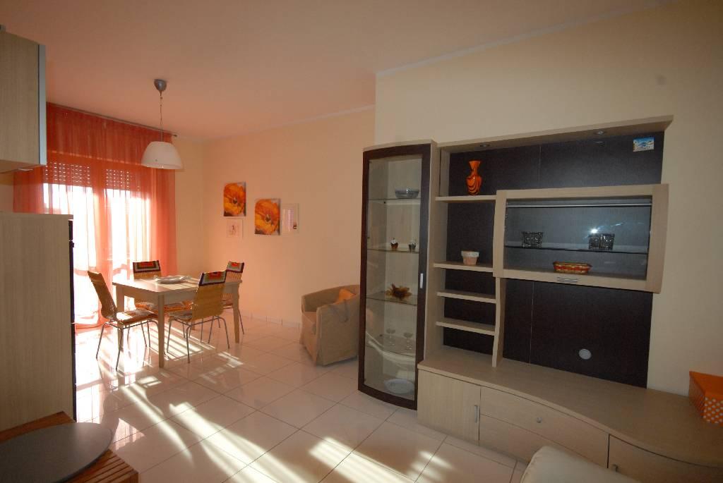 vendita appartamento follonica centro  235000 euro  3 locali  65 mq