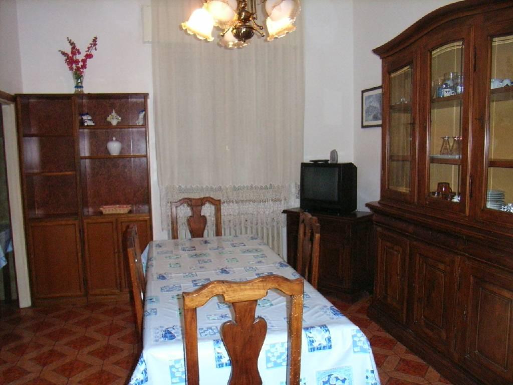 Appartamento in affitto a Follonica, 4 locali, zona Località: ZONA NUOVA, Trattative riservate | Cambio Casa.it