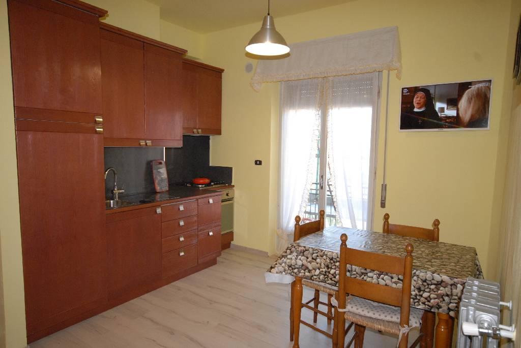 affitto appartamento follonica zona nuova  3 locali  60 mq