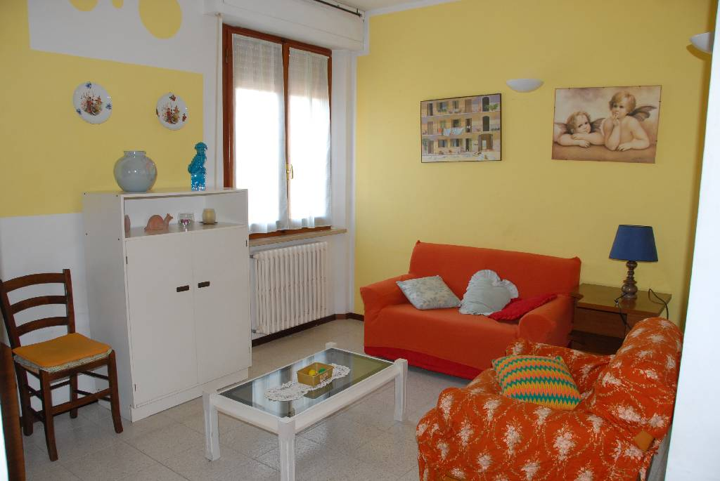 Appartamento in affitto a Follonica, 4 locali, Trattative riservate | CambioCasa.it