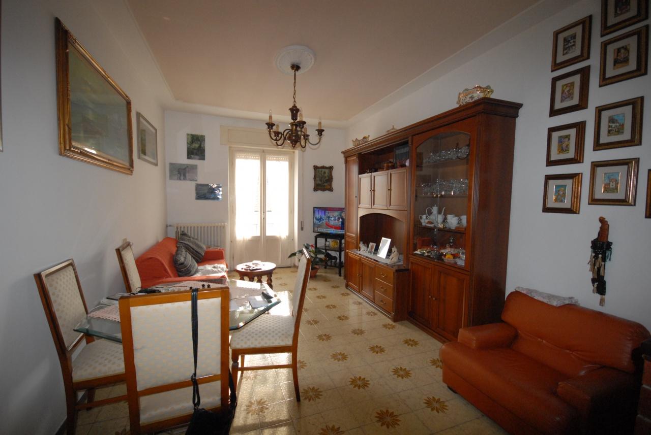 vendita appartamento follonica centro Via Santini 210000 euro  3 locali  65 mq