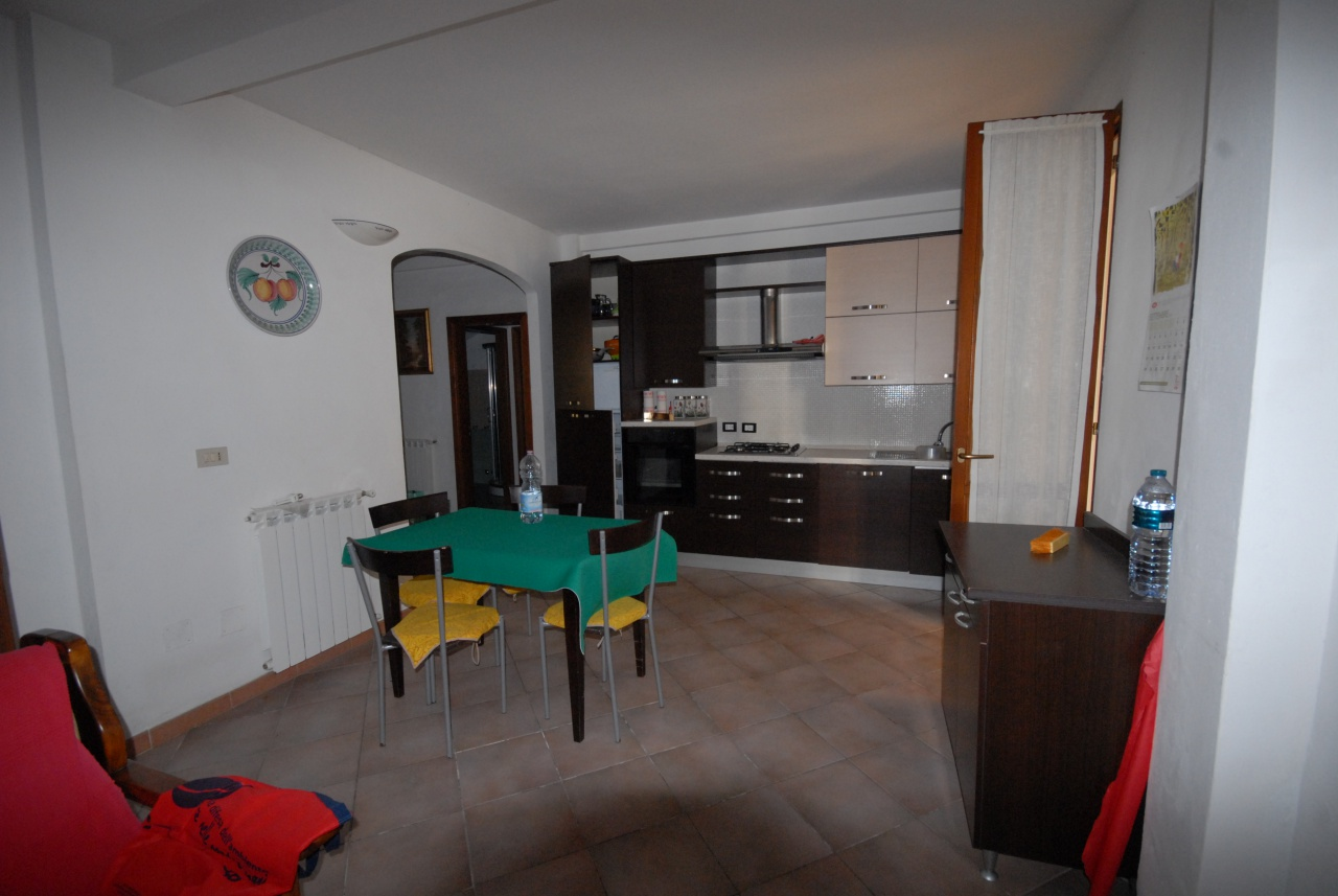 Appartamento ristrutturato in vendita Rif. 9852382