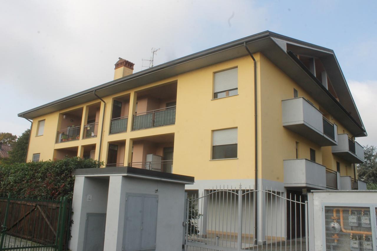 Appartamento in ottime condizioni in vendita Rif. 8118348