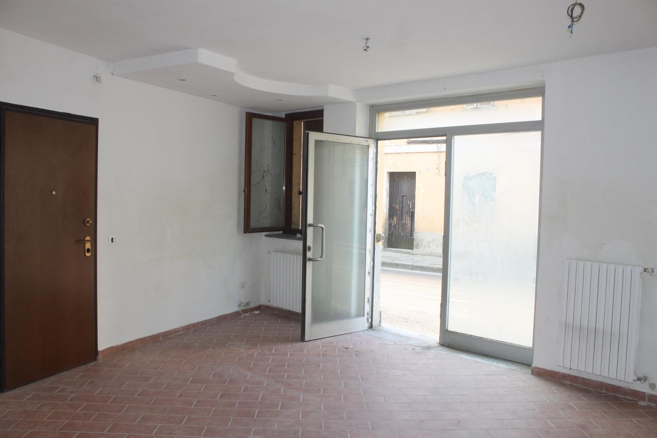 Negozio / Locale in vendita a Zinasco, 2 locali, prezzo € 35.000 | CambioCasa.it