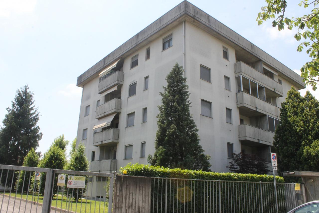 Appartamento in ottime condizioni in vendita Rif. 10769586