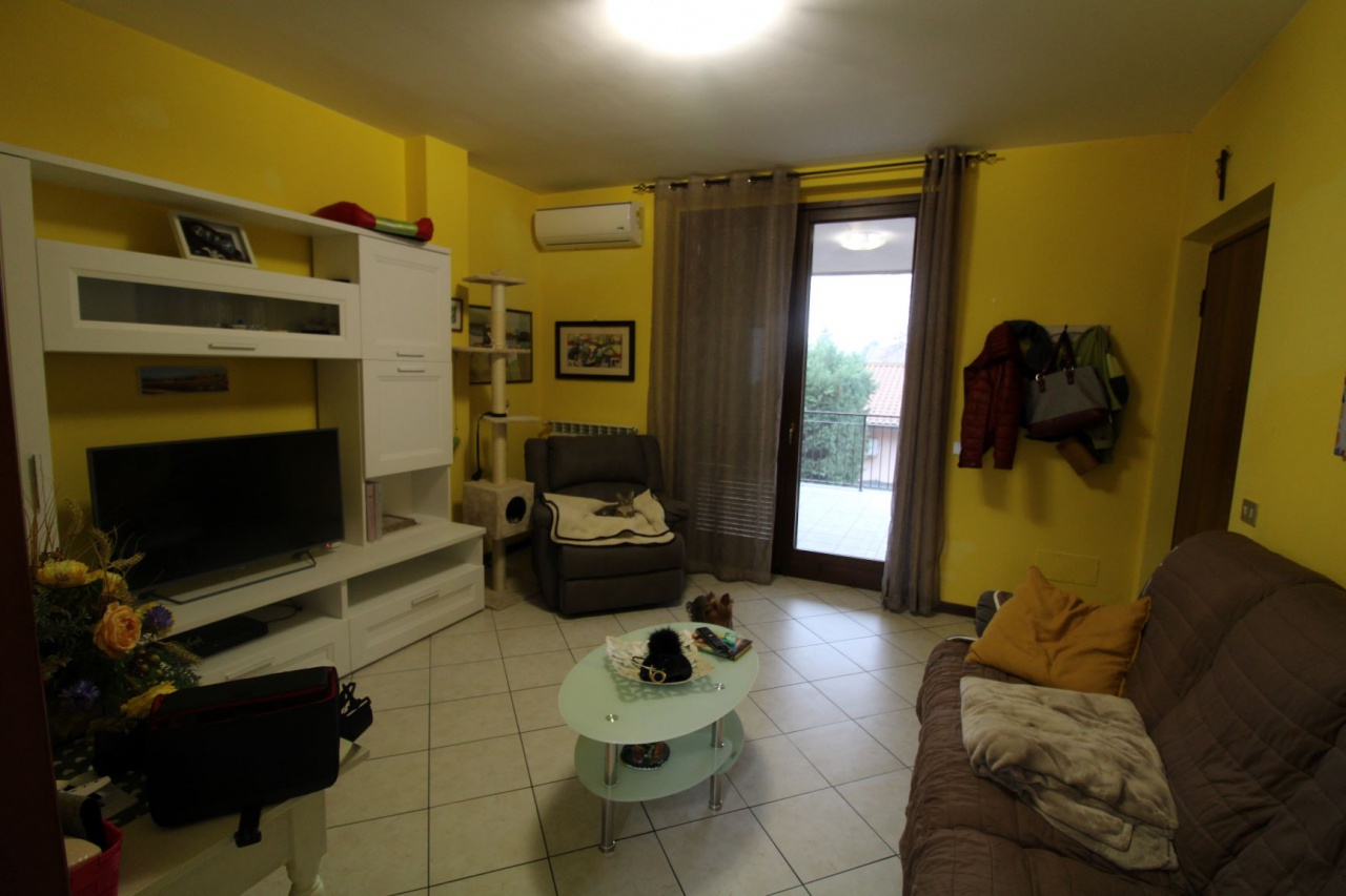 Appartamento in vendita a Albuzzano, 3 locali, prezzo € 73.000 | CambioCasa.it