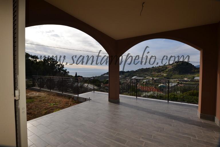 Casa indipendente 5 locali in vendita a Bordighera (IM)
