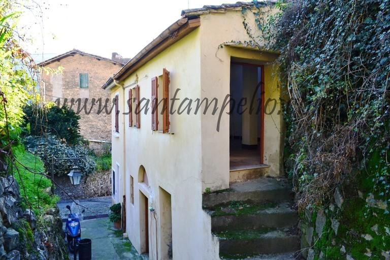 Casa indipendente bilocale in vendita a Vallebona (IM)